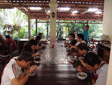 Epson-Incentive-to-Chiangmai.-Eating-what-they-cooked